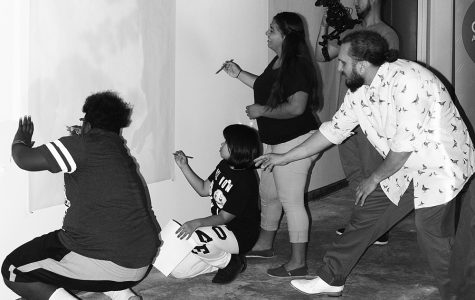 Art Students Take Opportunity to Work with Real Artists
